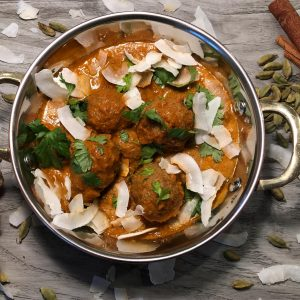 Meatless Balls In Coconut Masala Curry