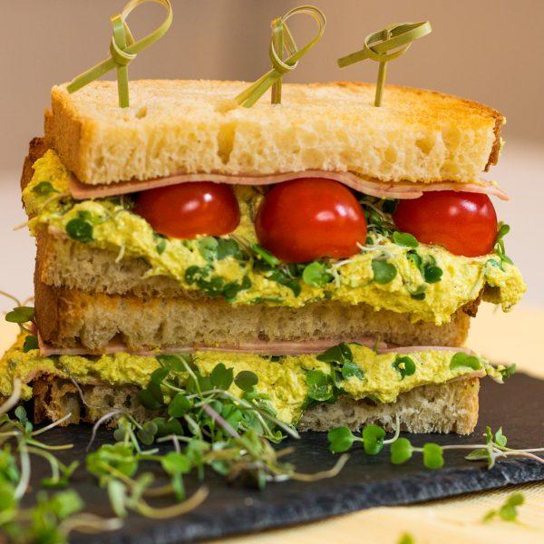 recipe-main-veggie-mortadelle-curry-tofunaise-sandwich